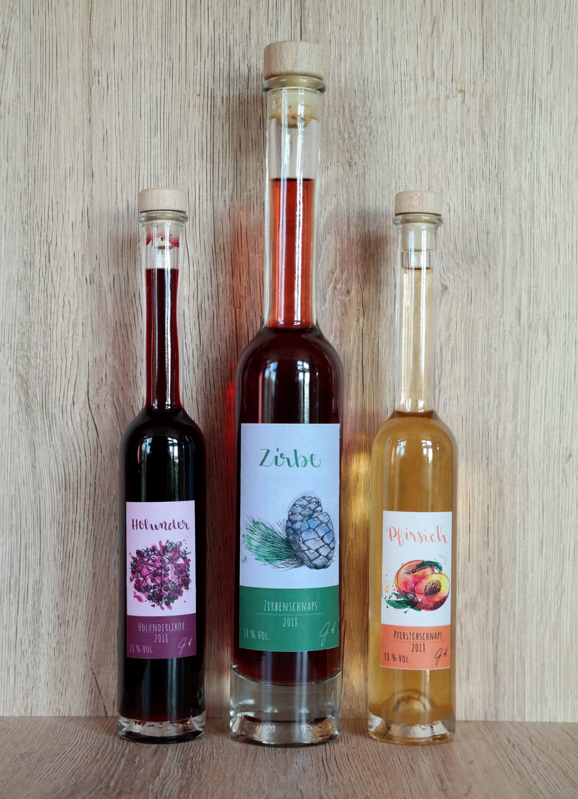 Schnaps-Etiketten Flaschen